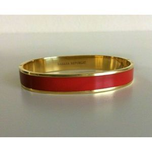 Banana Republic Hinged Bracelet Oval Gold Tone Red